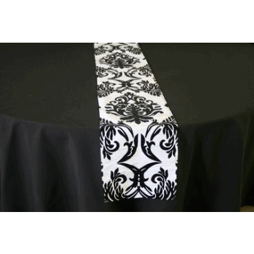 Table Runner Black on White – Damask