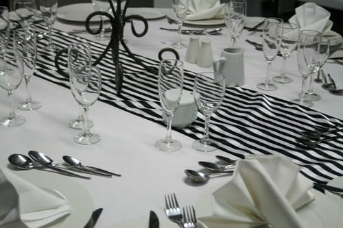 Table runner black and white